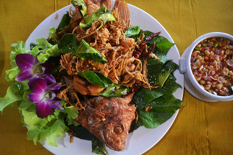 Fried-Fish-with-Herbs - ปลาสมุนไพร